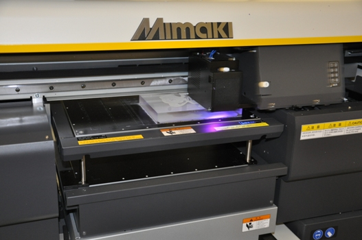 G J Plastics uses its Mimaki UJF-3042 to print direct to acrylic
