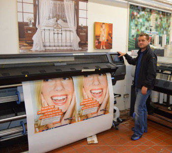 Ian Penman's son Ian with Introscan's HP Latex 360